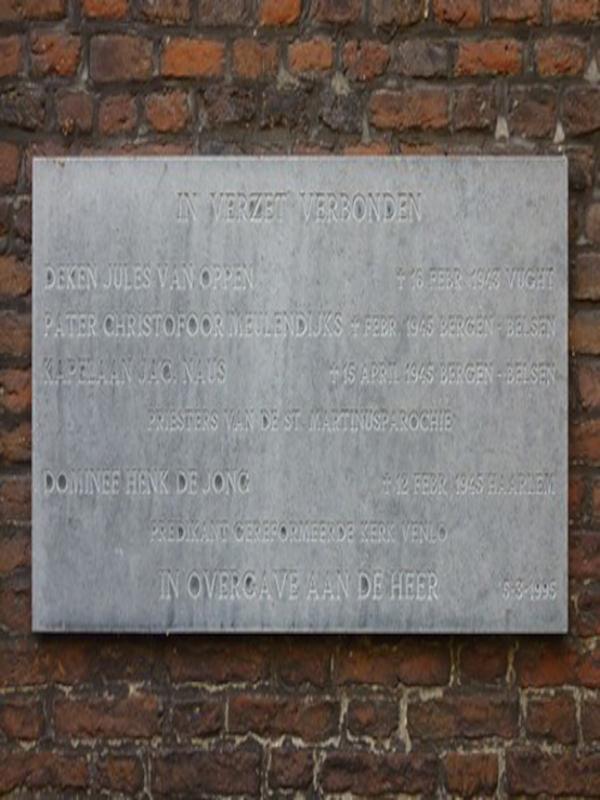Die Gedenktafel an der St. Martinuskirche